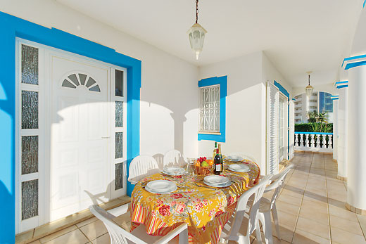 benefits of villa holidays for families