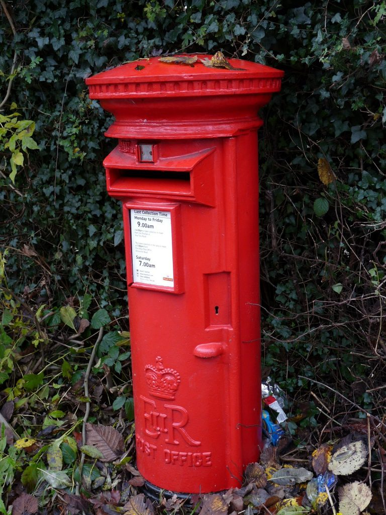 post-box-red-625020_1920